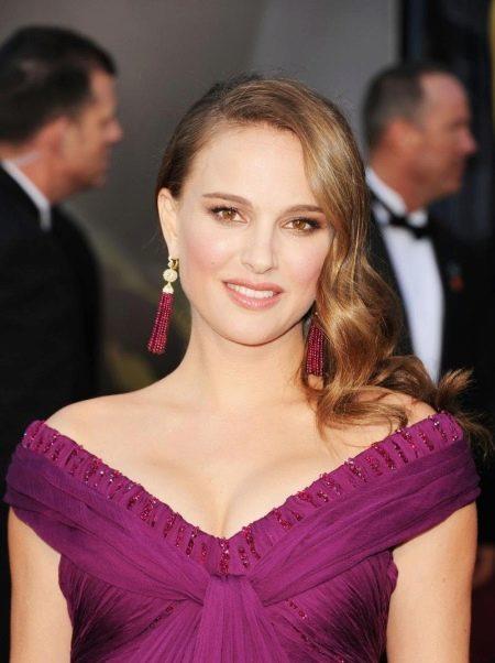 Макияж для фиолетового платья  Натали Портман