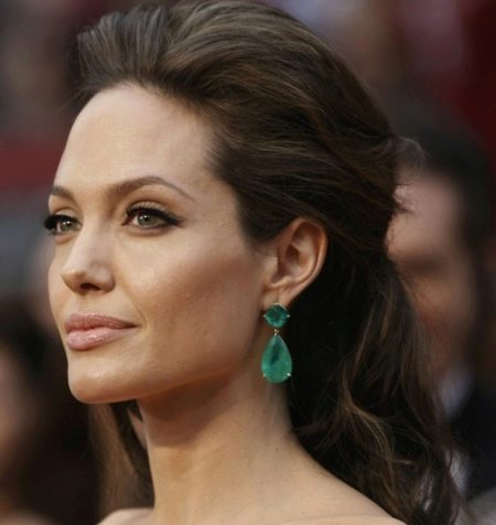 Макияж Анджелины Джоли к изумрудному платью