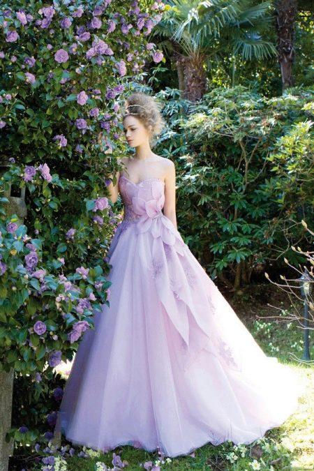 Лавандовое свадебное или вечернее платье