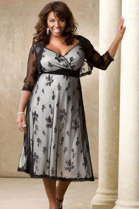 Платье летнее для полных вечернее из кружева с контрастной основой