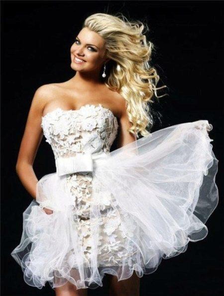 Вязанное короткое свадебное платье крючком