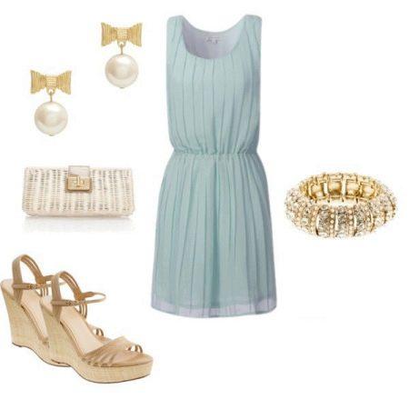Аксессуары золотистые для мятного платья