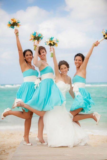 Бирюзовые платья для подружек невесты на пляже