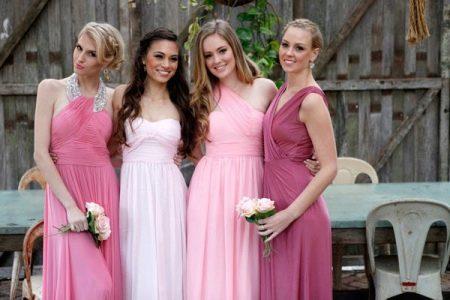 Платья разных оттенков розового для подружек невесты