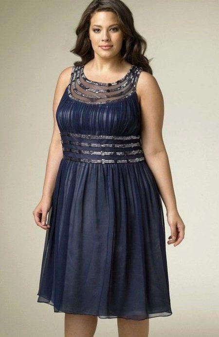 Короткое вечернее платье для полных в греческом стиле