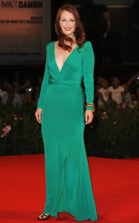 Зеленое платье для женщин 50 лет