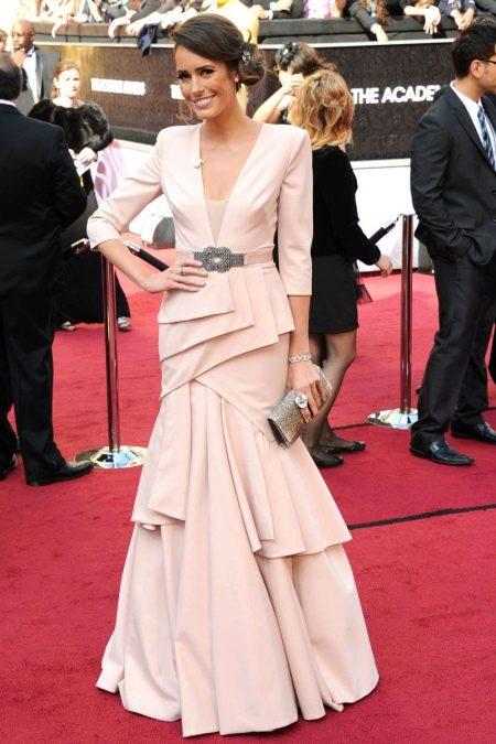 Розовое вечернее  платье для женщин 50 лет
