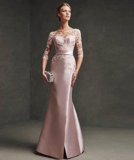 Платье с кружевным верхом от Проновиас и атласа