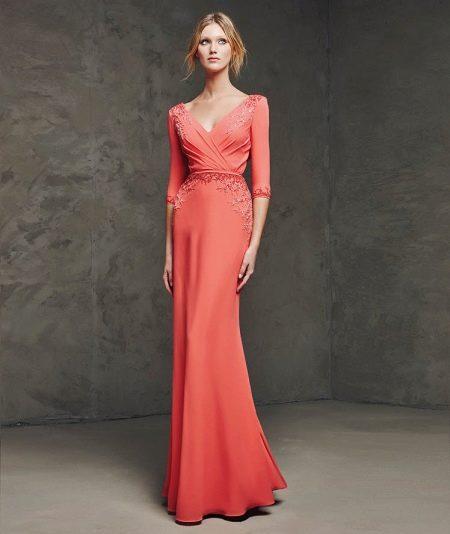 Вечернее платье от Проновиас коралловое