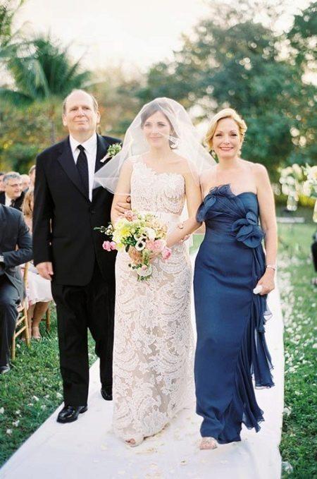 Ажурное платье для мам невесты