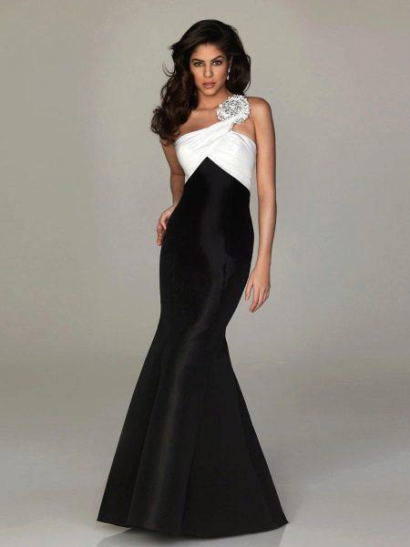 Вечернее платье русалка черно-белое