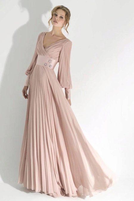 Платье из шифона вечернее с рукавами