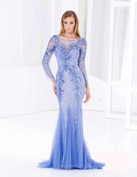 Голубое вечернее платье с ажурными рукавами