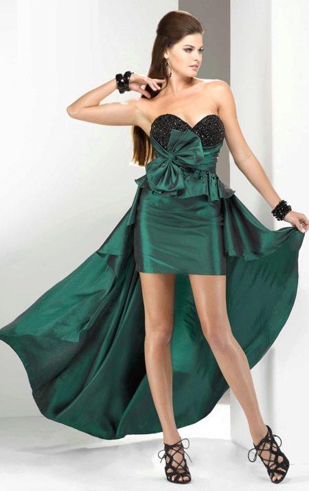 Короткое вечернее зеленое платье со шлейфом