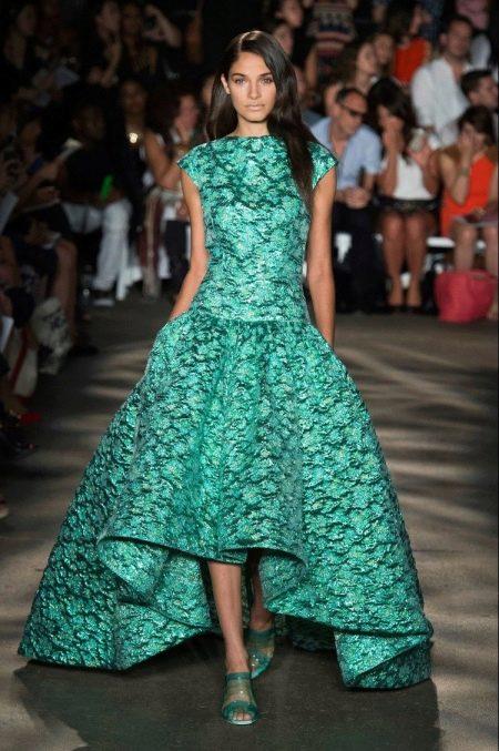Вечернее летнее зеленое платье с рисунком