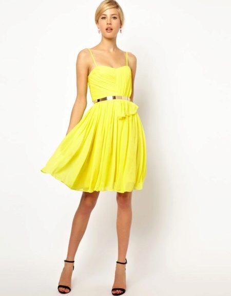 Короткое желтое вечернее платье