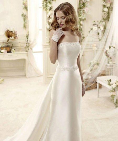 Атласное  свадебное платье пышное