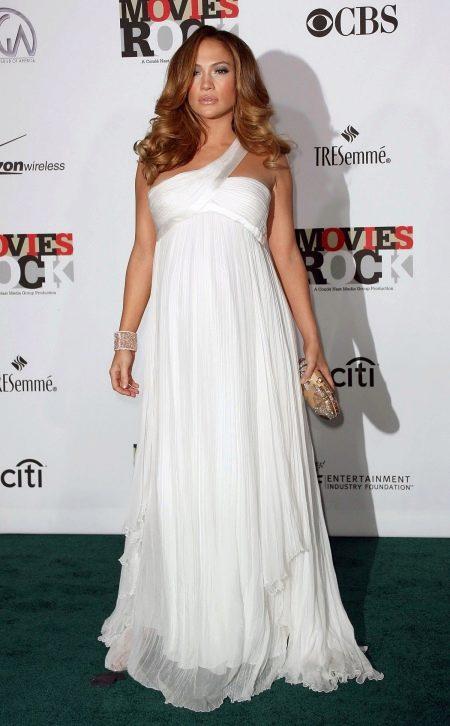 Белое вечернее платье для беременных