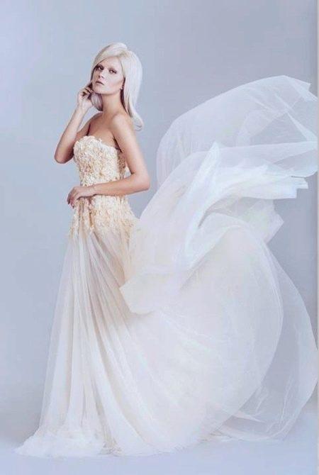 Вечернее платье белое с бежем