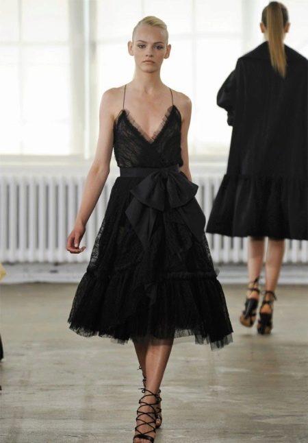 Вечернее кружевное платье черное миди