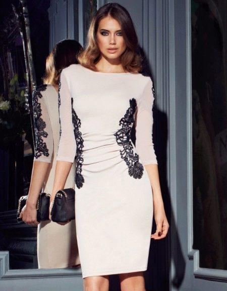 Белое вечернее платье дешевое с черным кружевом