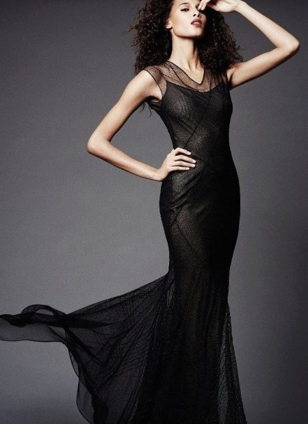 Вечернее черное платье от Зака Позена