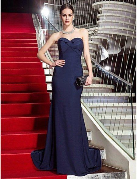 Дорогое вечернее платье синее