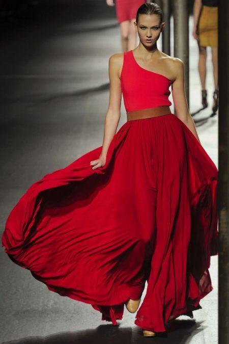 Вечернее платье от Lanvin красное