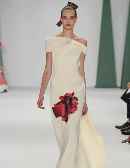 Вечернее платье от Carolina Herrera белое