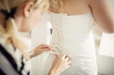 Шнуровка на свадебном платье