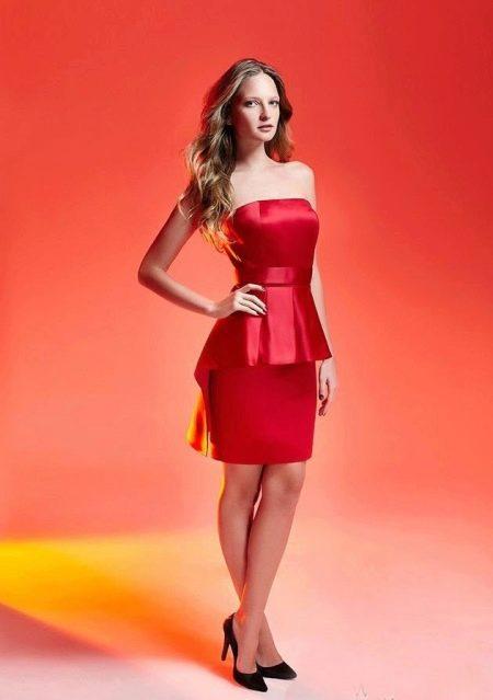 Платье-футляр с баской вечернее