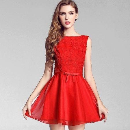 Короткое вечернее платье футляр