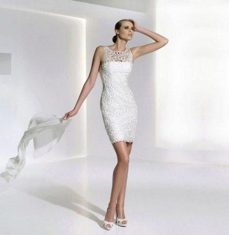 Платье-футляр кружевное вечернее