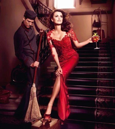 Красное вечернее платье в пол с кружевом