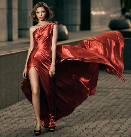 Красное вечернее платье на одно плечо