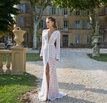 Платье свадебное кружевное с разрезом