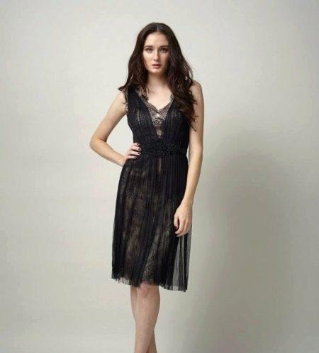 Черное легкое вечернее платье с кружевом