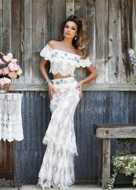 Легкое вечернее белое платье из кружева