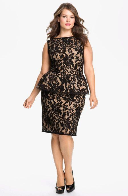 Нарядное платье большого размера с баской