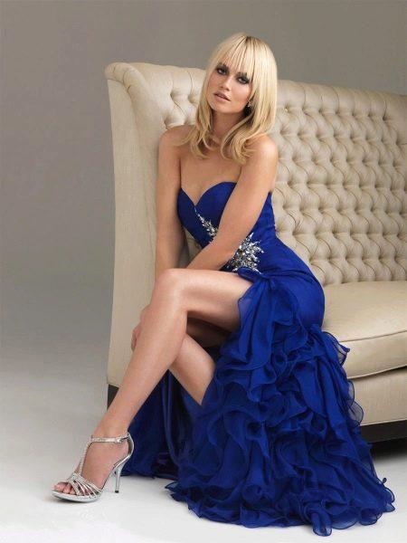 Серебряная обувь к синему вечернему платью