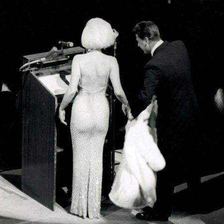 Вечернее платье с открытой спиной Мэрелин Монро