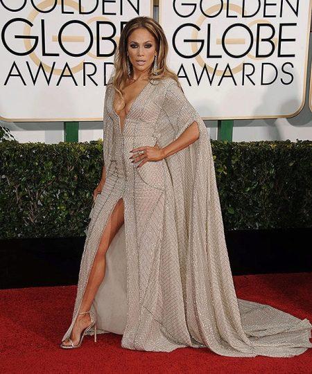 Вечернее платье Дженифер Лопес с разрезами