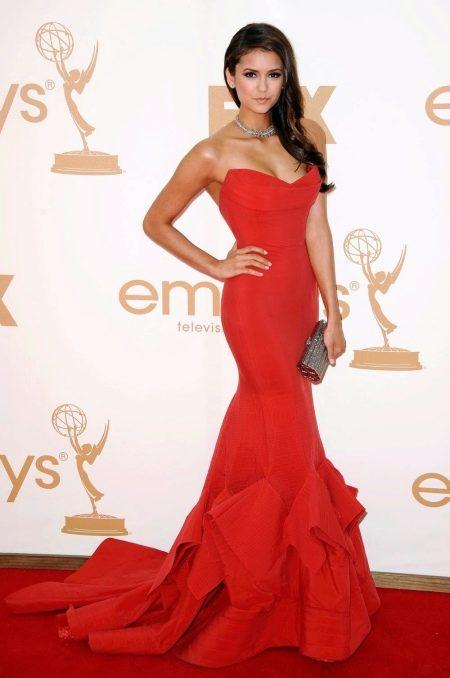 Красное вечернее платье звезды