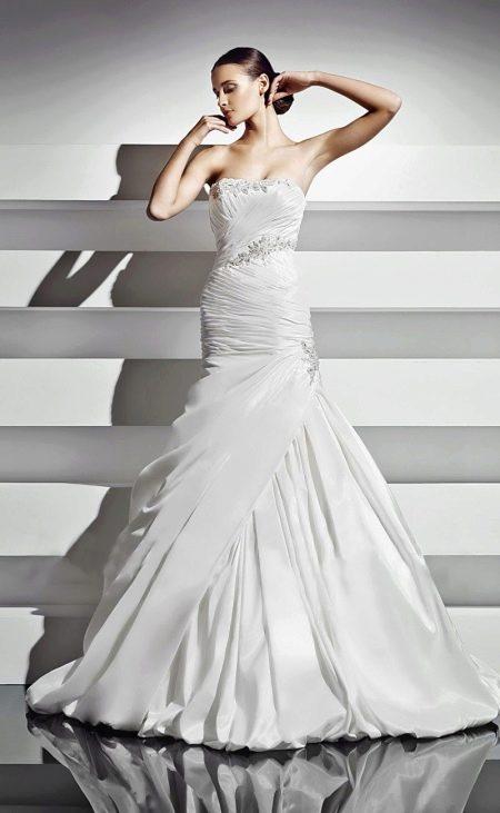 Свадебное платье с драпировкой от Амур Бридал