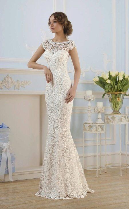Свадебное прямое кружевное платье от Naviblue Bridal