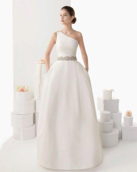 Пышное свадебное платье на одно плечо от Роза Клара 2014