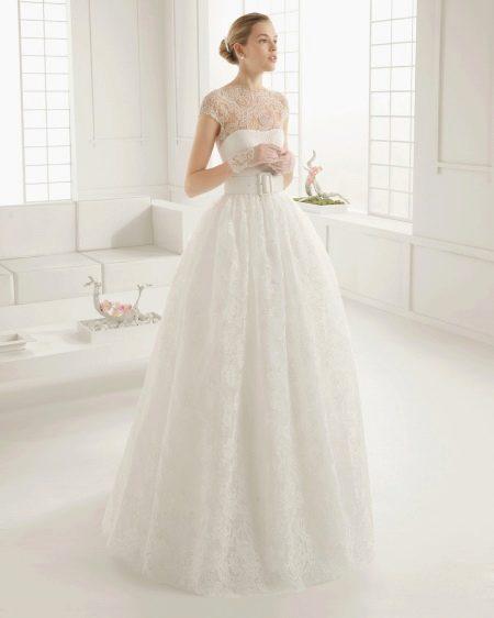 Свадбное платье с кружевным верхом от Роза Клара