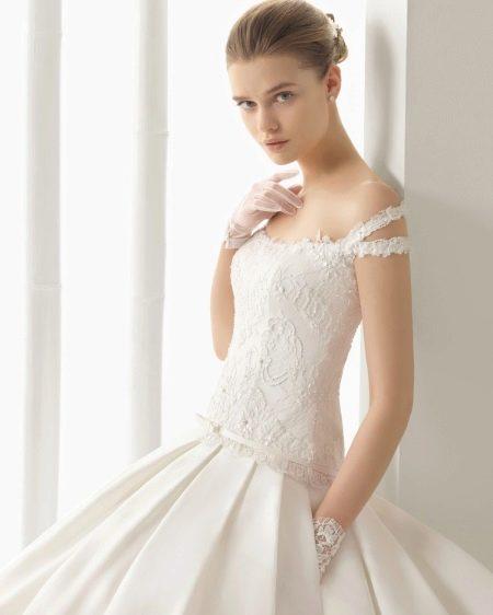Свадебное платье с двойными бретелями