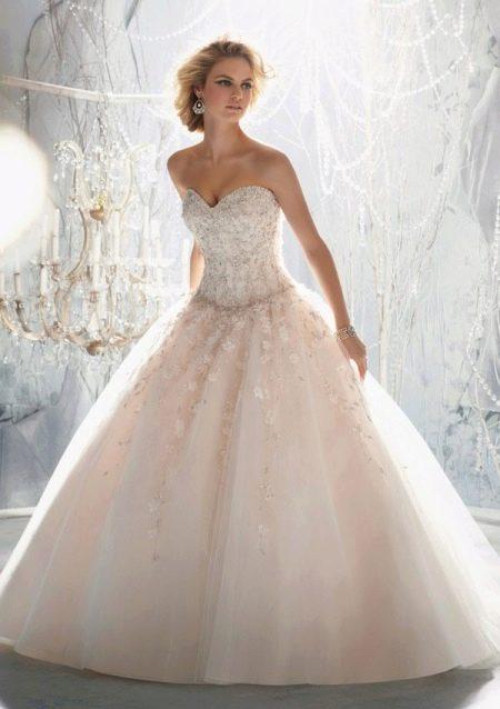 Свадебное платье розового оттенка айвори