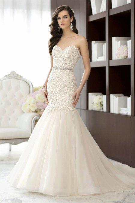 Свадебное платье русалка с кружевом цвета айвори